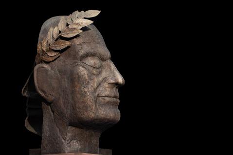 sculpture-3357150_1920.jpg